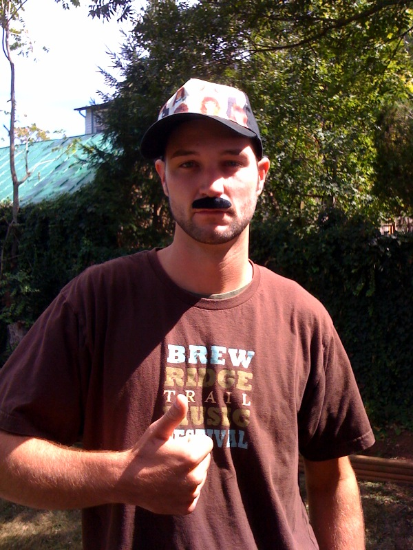 This guy is sporting a Brew Ridge Trail Music Festival T-Sirt   AND   Rockin' the 'Stache!  You are a true champion, my frien!