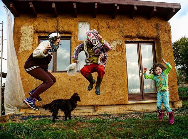 Jump for JOY if you love Cob houses!  Building with materials straight from the Earth is smart and beautiful!  Follow our friends at Korakor.org @mycrookedlittlehomestead to learn more about their Permaculture lifestyle in southern France!  #cobhouse #cobhouses #permaculture #france #family #jump #stayplayful #adventuretogether