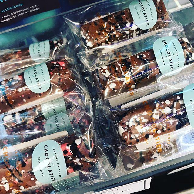Lakrissjokolade til mor på søndag? Nedsatt pris i helga 💕
