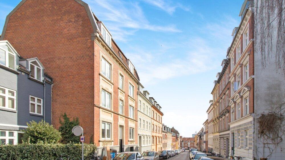 Hjelmensgade 20, 8000 Aarhus C  8 lejeboliger fordelt på 556 m2