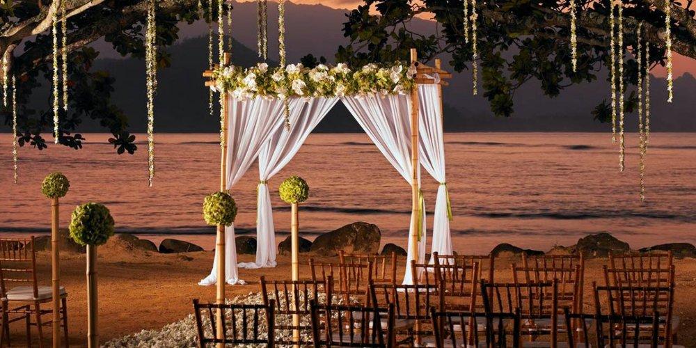 St-Regis-Princeville-Resort-Wedding-Kauai-HI-11_Fotor.1394225319.jpg