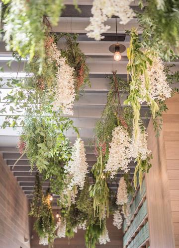 Hanging-flowers-wedding-reception-5.jpeg