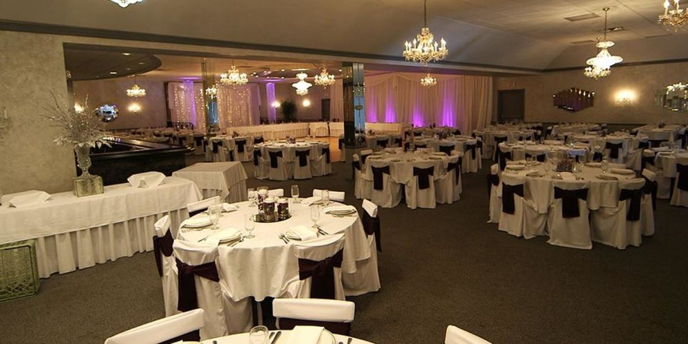 La-Vera-Party- Center-Wedding-Willoughby-OH-7.1433547910.jpg