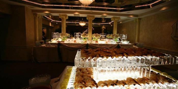 La-Vera-Party- Center-Wedding-Willoughby-OH-4_main.1433547891.jpg
