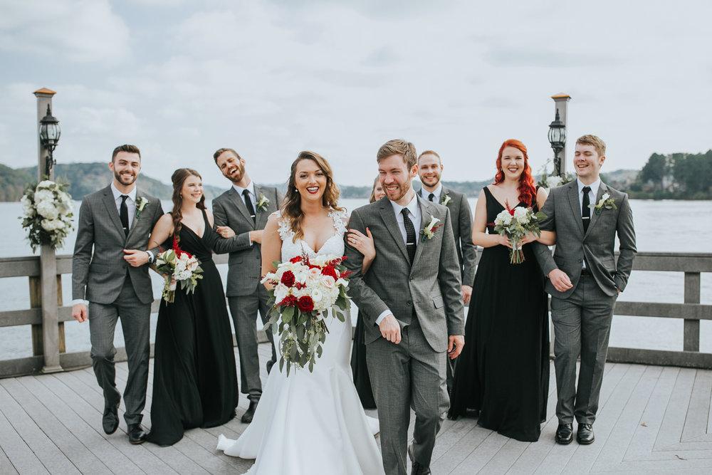 10-of-Our-Favorite-Waterfront-Wedding-Venues-in-the-U.S.-00003.jpg