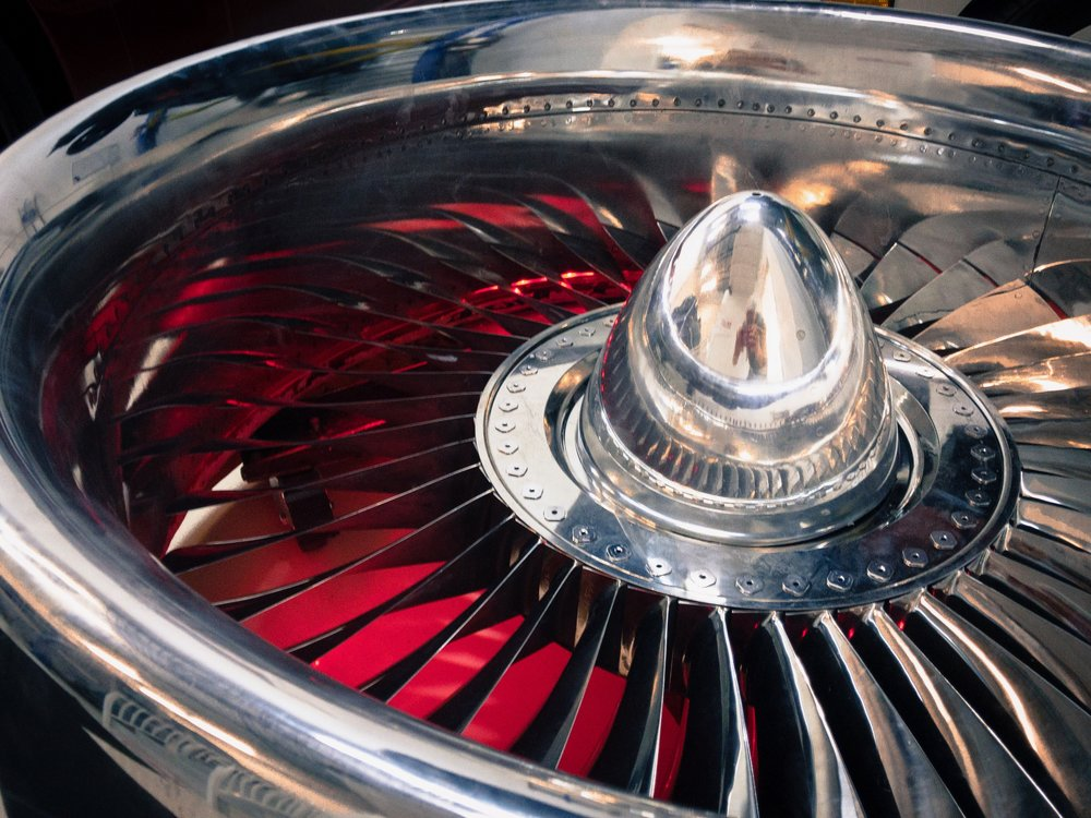 Red_Boeing 737 Jet Engine Coffee Table-1.JPG