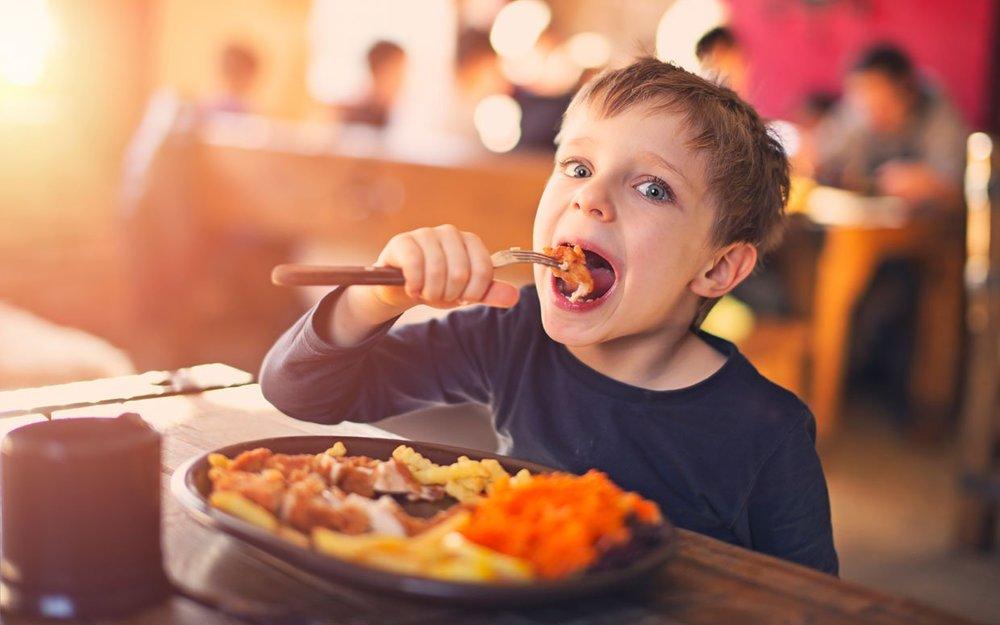 back-to-school-restaurant-deals-2015-ftr.jpg