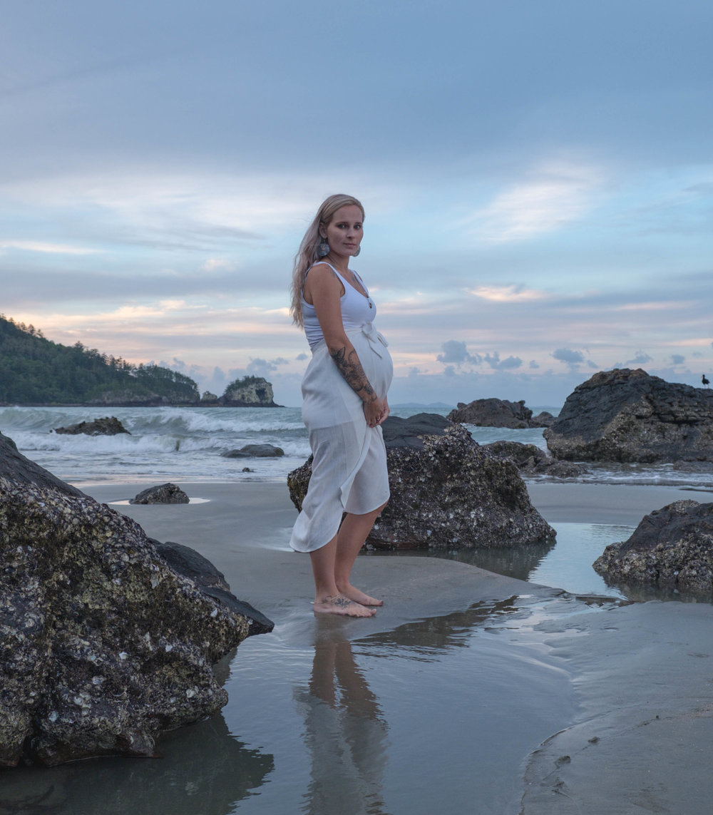 Ellie's Maternity Shoot, Cape Hillsborough