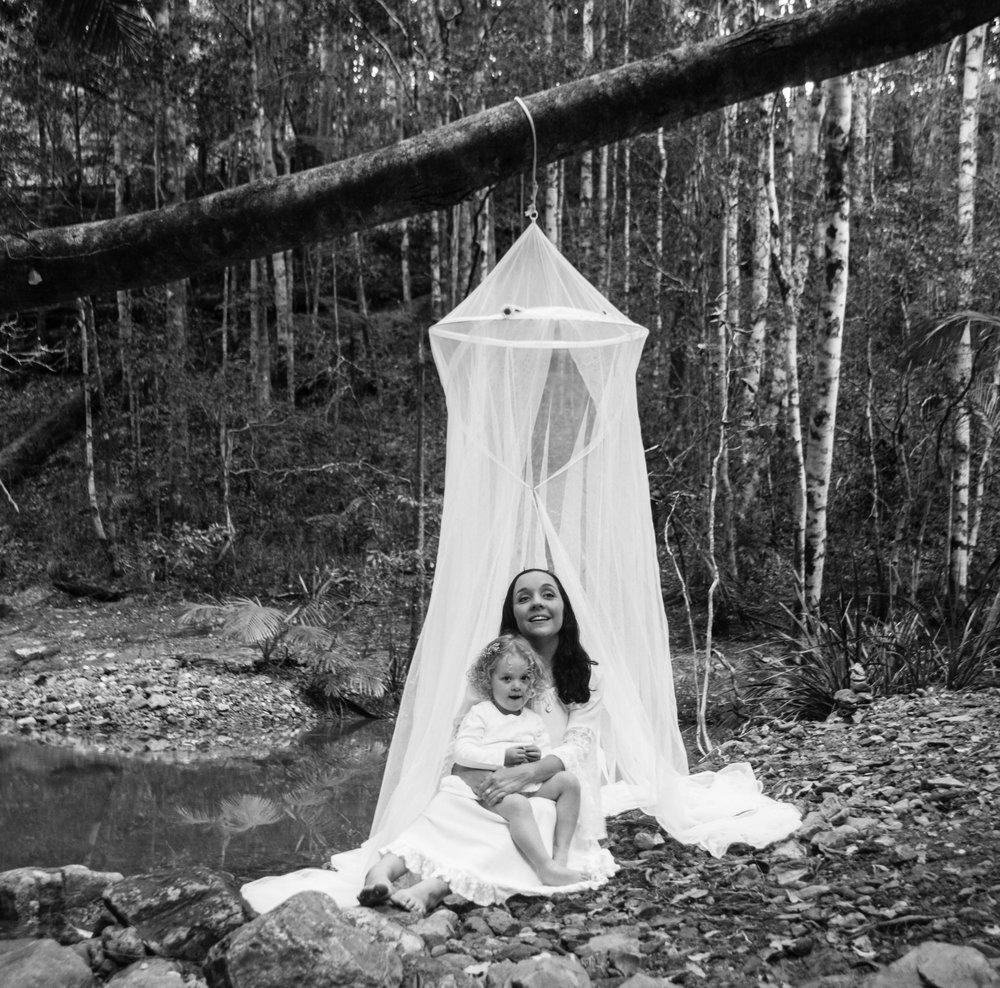 Georgias Maternity Shoot, Jersuleum National Park