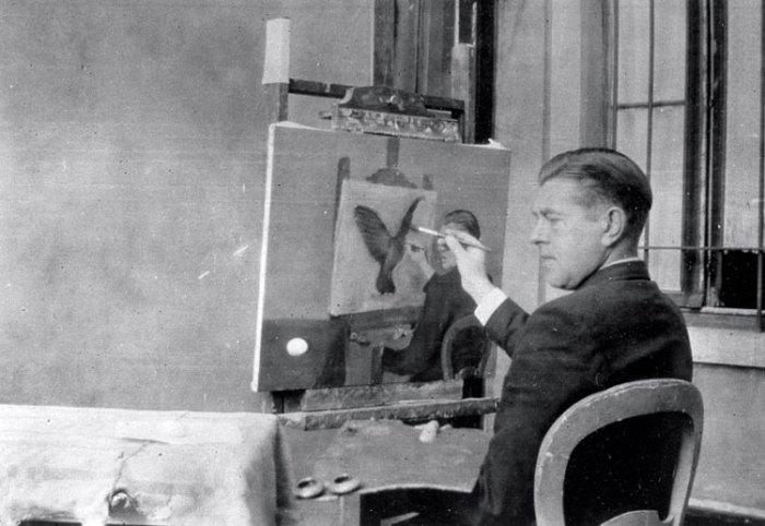 """René Magritte painting """"La Clairvoyance"""", 1936"""