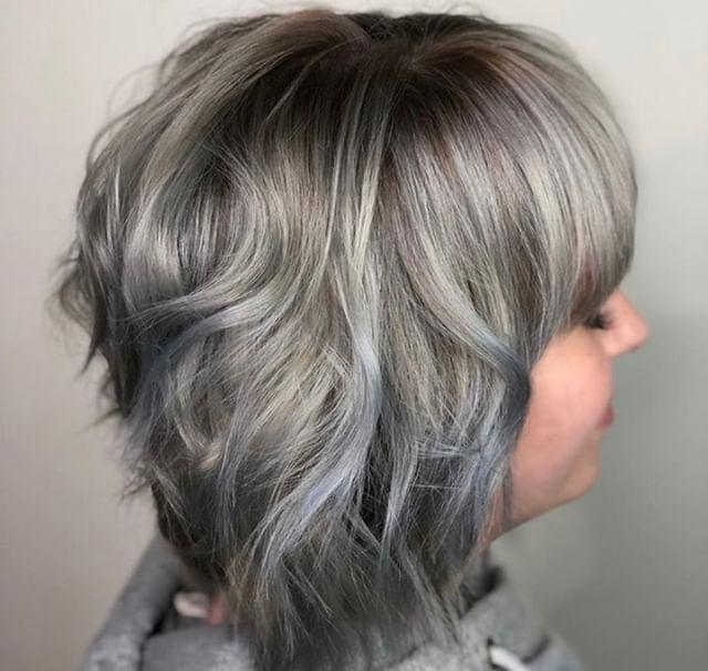 🎼 I am titaaaanium 🎤 Lead stylist, Wesley kills it with this silver! @colormewesley⠀⠀⠀⠀⠀⠀⠀⠀⠀ .⠀⠀⠀⠀⠀⠀⠀⠀⠀ .⠀⠀⠀⠀⠀⠀⠀⠀⠀ .⠀⠀⠀⠀⠀⠀⠀⠀⠀ .⠀⠀⠀⠀⠀⠀⠀⠀⠀ .⠀⠀⠀⠀⠀⠀⠀⠀⠀ .⠀⠀⠀⠀⠀⠀⠀⠀⠀ #industrysalonseattle #seattle #seattlehair #seattlehairsalon #seattlehairstylist #hair #hairporn #hairgoals #behindthechair #modernsalon #hotonbeauty #btcpics #americansalon  #balayage #balayageandpainted #mastersofbalayage #redken #redkencolor #redkenshadeseq #hairideas #grayhair #greyhair #grannyhair #silverhair #balayage #ashyhair #graybalayage #redken #redkenrecipe