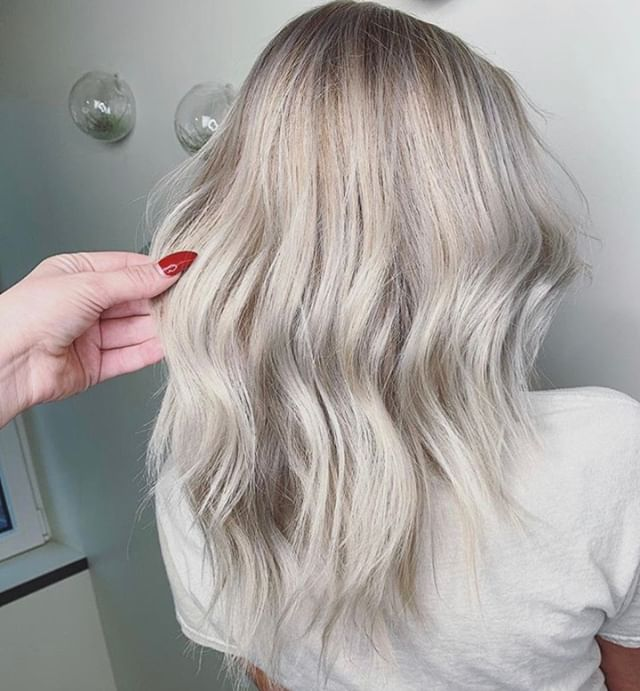 Nothing but ice ❄️❄️❄️ Amazing work done by lead stylist, Dani G! @dani.in.the.industry⠀⠀⠀⠀⠀⠀⠀⠀⠀ .⠀⠀⠀⠀⠀⠀⠀⠀⠀ .⠀⠀⠀⠀⠀⠀⠀⠀⠀ .⠀⠀⠀⠀⠀⠀⠀⠀⠀ .⠀⠀⠀⠀⠀⠀⠀⠀⠀ .⠀⠀⠀⠀⠀⠀⠀⠀⠀ .⠀⠀⠀⠀⠀⠀⠀⠀⠀ ⠀⠀⠀⠀⠀⠀⠀⠀⠀ .⠀⠀⠀⠀⠀⠀⠀⠀⠀ #industrysalonseattle #seattle #seattlehair #seattlehairsalon #seattlehairstylist #hair #hairporn #hairgoals #behindthechair #modernsalon #hotonbeauty #btcpics #americansalon  #balayage #balayageandpainted #mastersofbalayage #redken #redkencolor #redkenshadeseq #hairideas #icyhair #icequeen #whitehair #whitehairdontcare #blonde #blondeaf