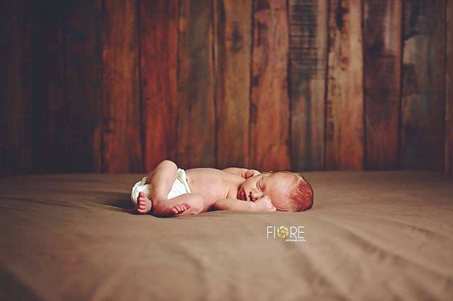 Totally in love with @tiarakoester97 's new little! #newmom #momlife  #boymom #newborn #baby #family #love #illinois #stlouis #fiorephotographystudio #sweet #sugarandspiceandeverythingnice #dad #dadlife #baby #babies #pregnancy #expecting #pregnant #wearehavingababy