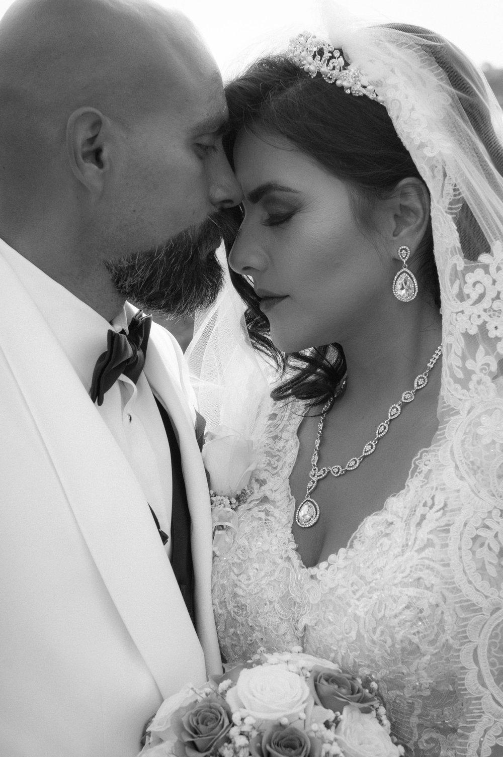WEDDINGS - wedding and engagement images