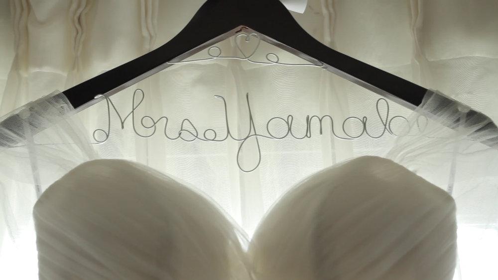 Dress_Hanger.jpg