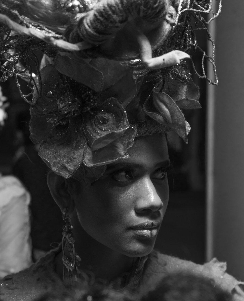 16__Model wearing Honee headdress_.jpg