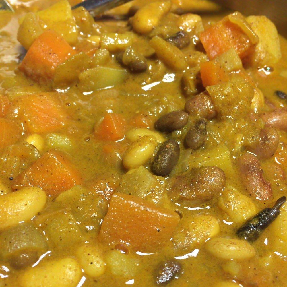 豆豆綿密的口感和咖哩完美的結合在一起,超好吃。