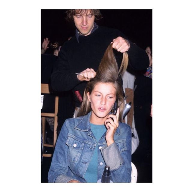 Giselle backstage in hair & makeup before the Calvin Klein Collection fall 2000 show #lorollerloves
