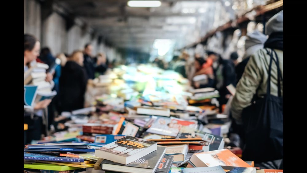 freestocks-org-626904-unsplash- book content_Moment.jpg