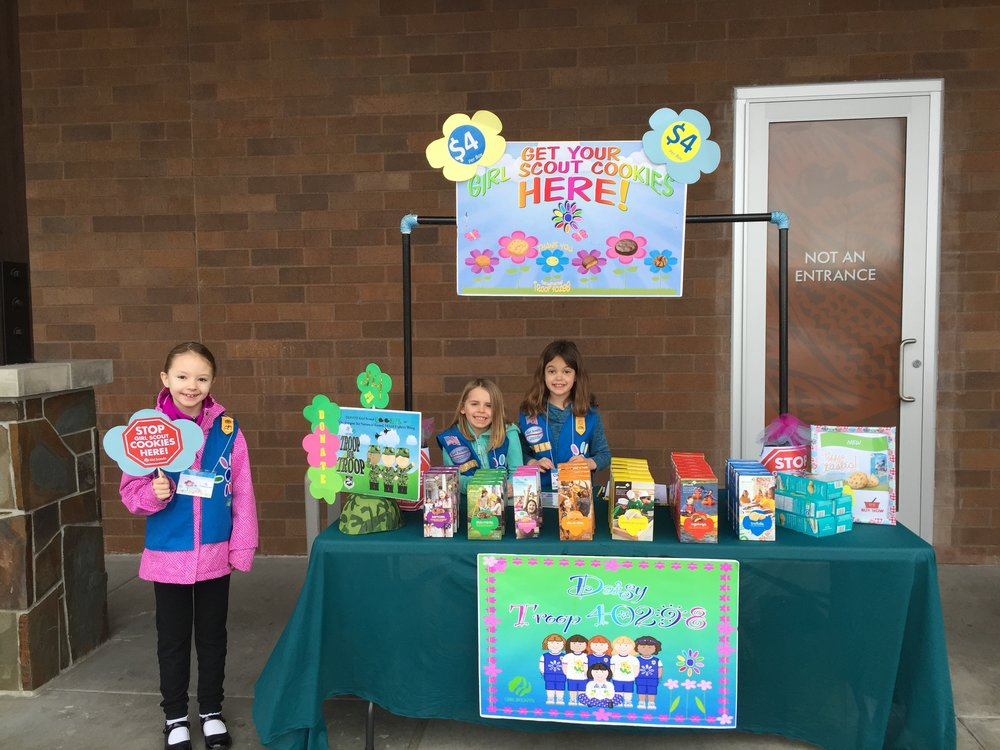 2016-daisy-cookie-booth-2.jpg