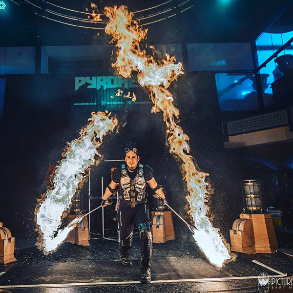 Sununu Is an international Venezuelan fire performer specializing in fast spinning tricks for thelast 12 years. While traveling through the amazon on the way to Roraima mountain he met a local tribe that inspired some of the tricks he now performs.