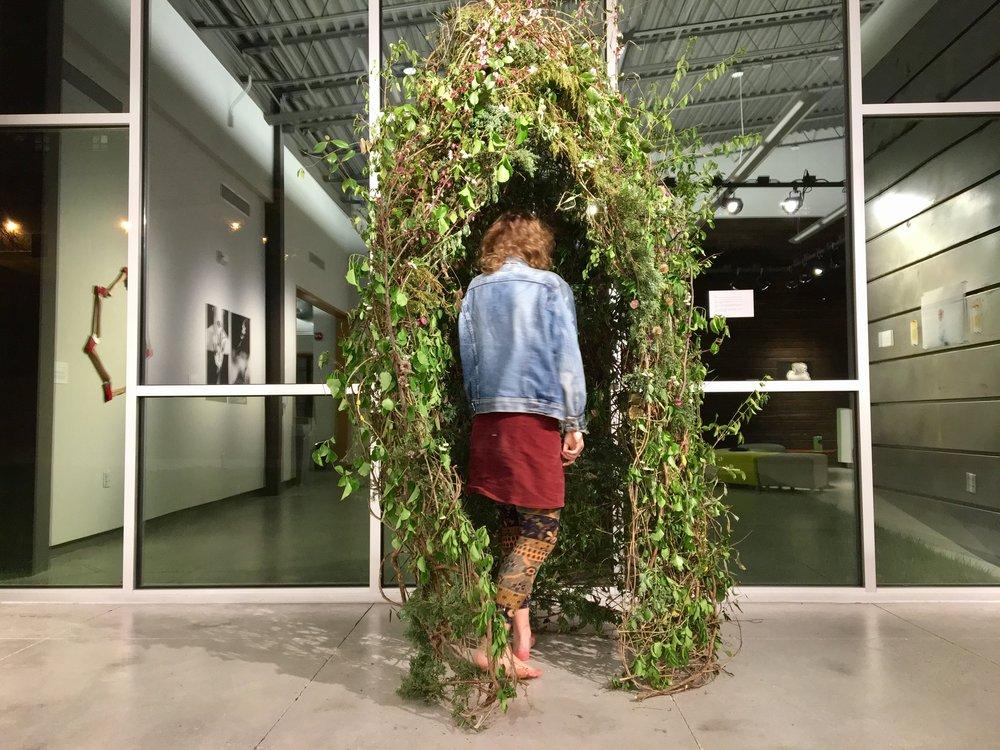 Zarza, Gold Wire and Found Brush, 2017
