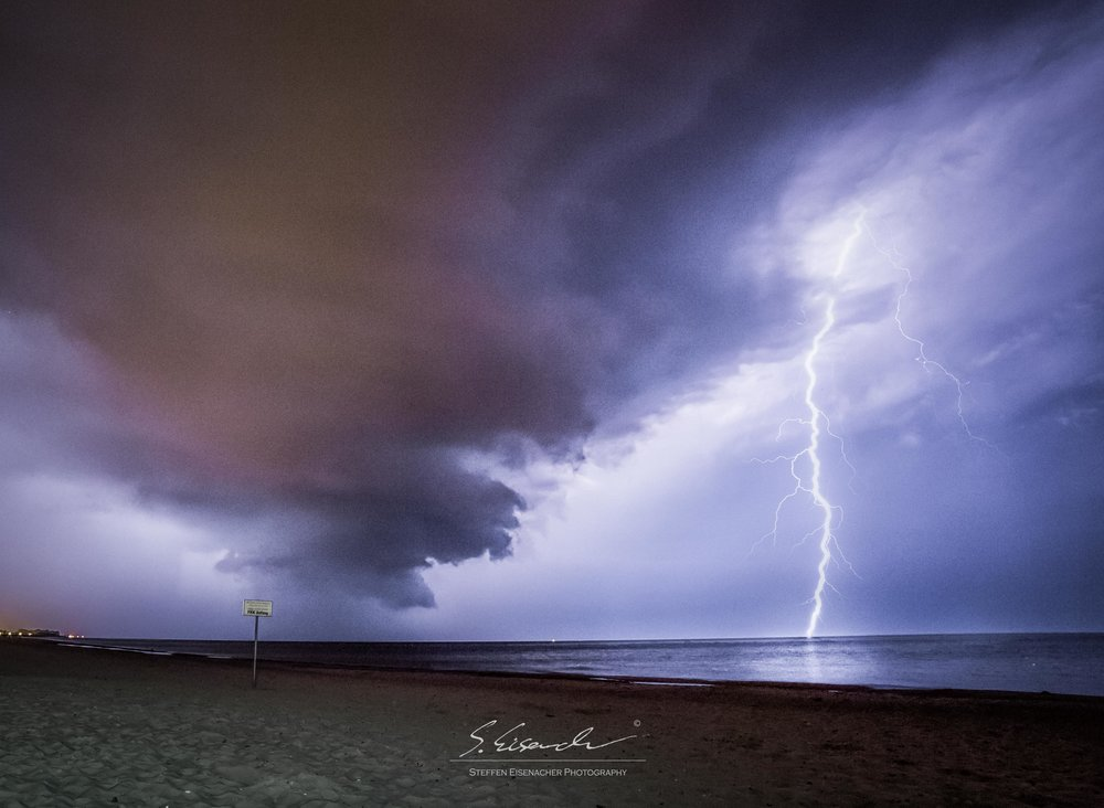 (2) Storm over the Baltic Sea, 20sec f/10 ISO400