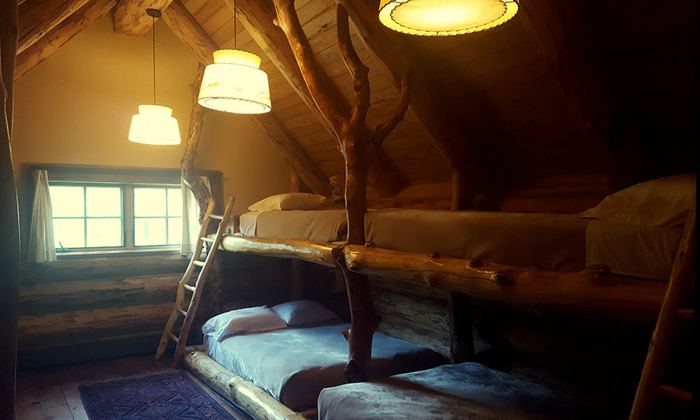 loghouse-interior10.jpg