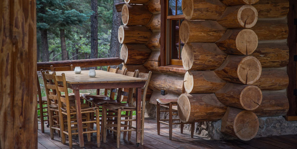 Corkins-Lodge-Mountain-Cabins-New-Mexico-Patio-Log-House.jpg