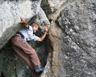 mountain-bouldering.png