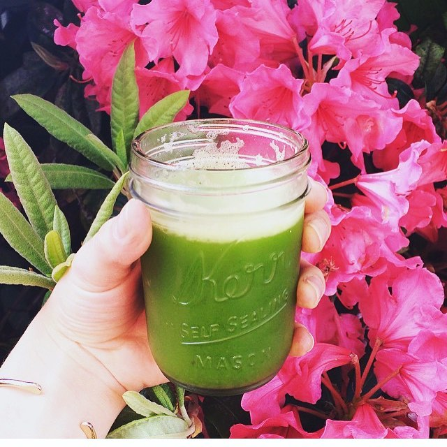 green-juice-pink-flowers.jpg
