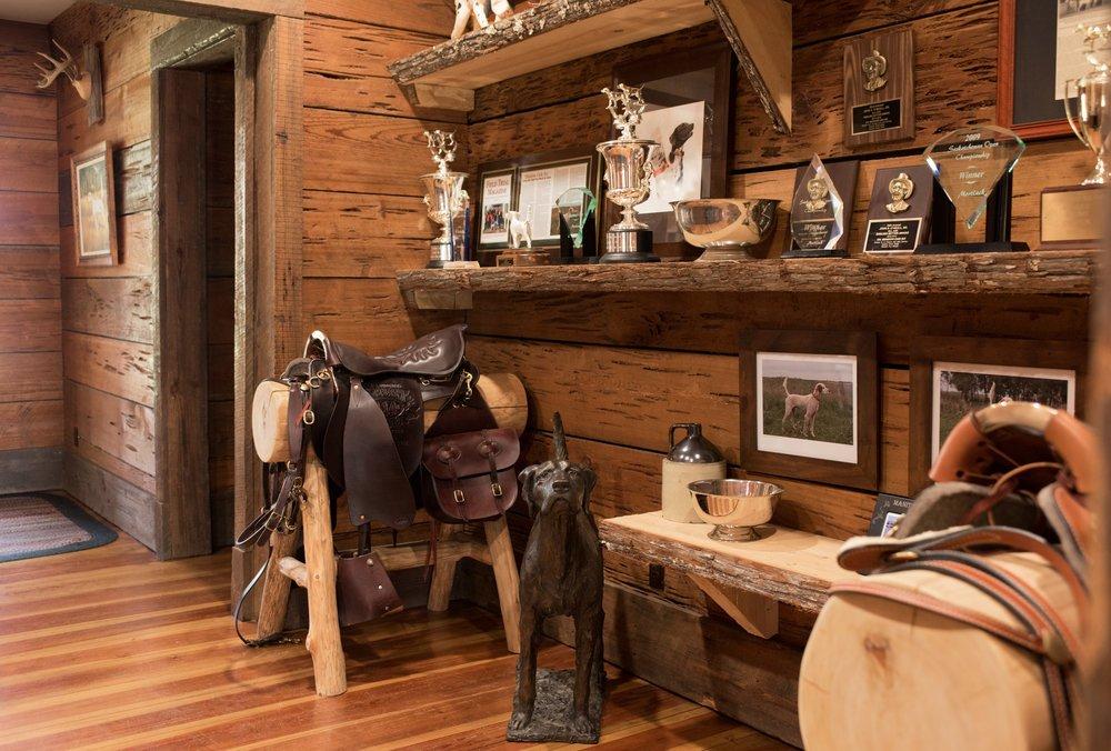 Shadow-Oak-Plantation-Lodge-trophy-room.jpg
