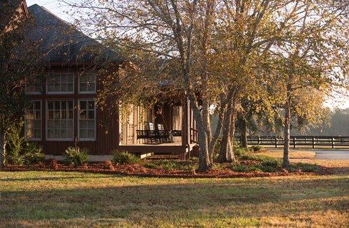 Shadow-Oak-Plantation-Lodge-grounds.jpg