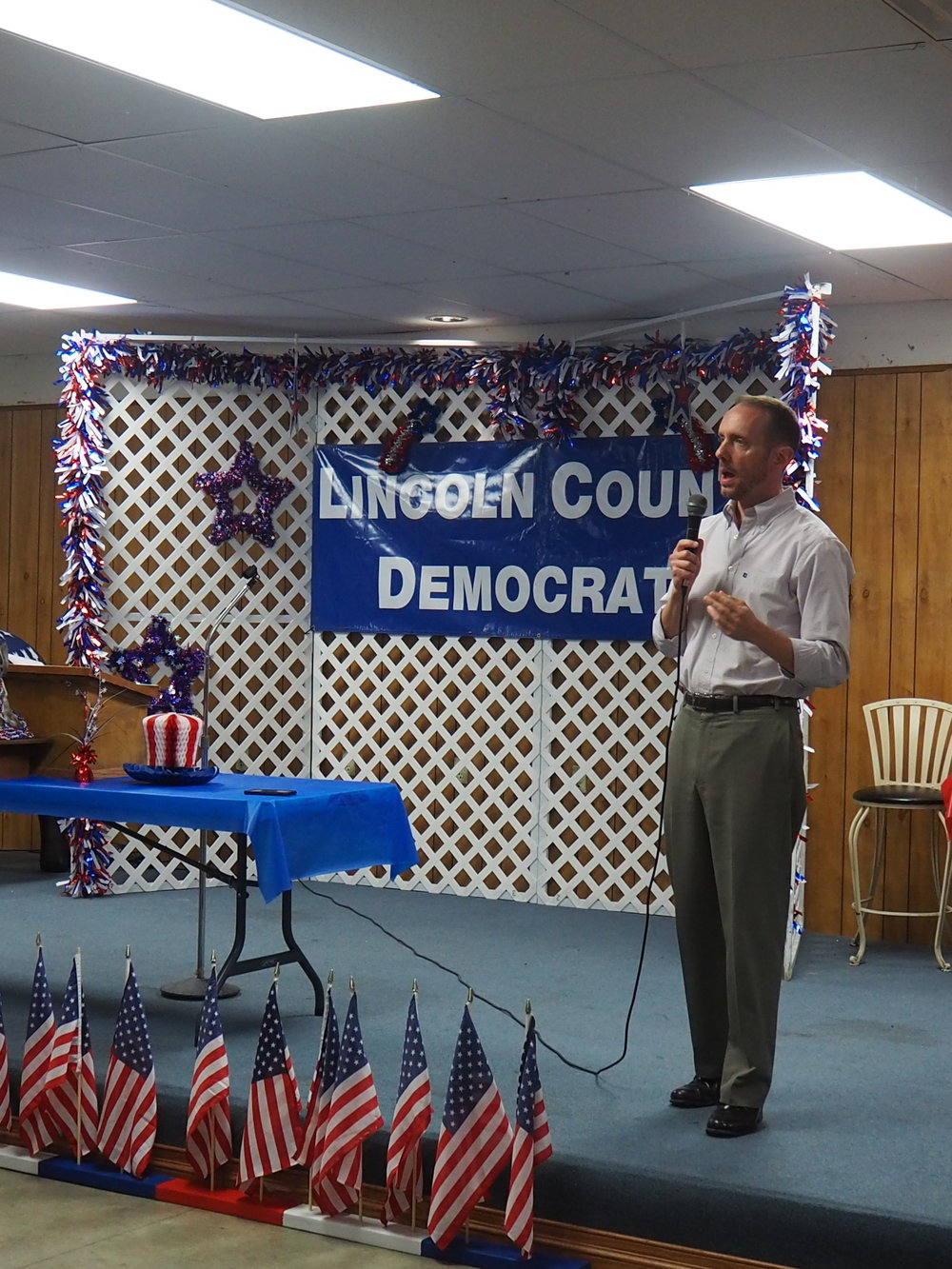 Featured Speaker Scott Sifton, Missouri Senator for District #1, delivers a rousing talk to an appreciative audience.