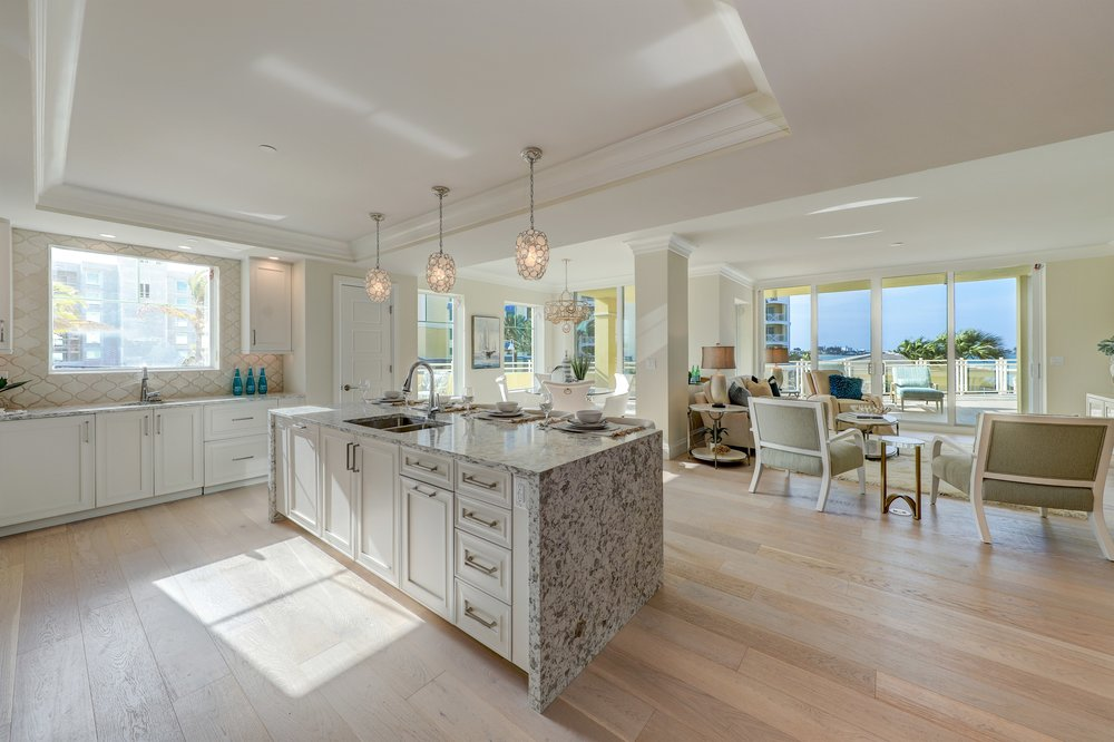 026_Kitchen to Dining Room.jpg