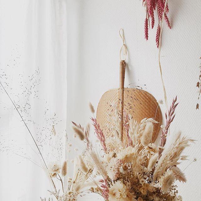 Happy easter 🌾🌾 . . . . . #easter #driedflowers #fleurssechees #driedflower #driedflowerbouquet #spring #vscocam #bohoflowers #flowers #champetre #atelierprairies