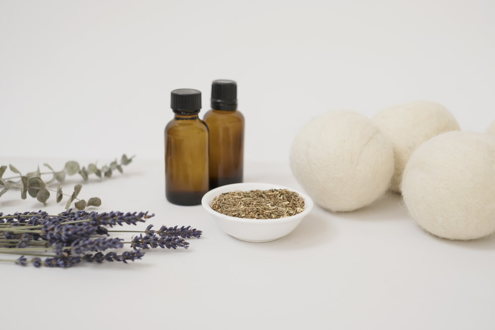 essential oils and dryer balls.jpg