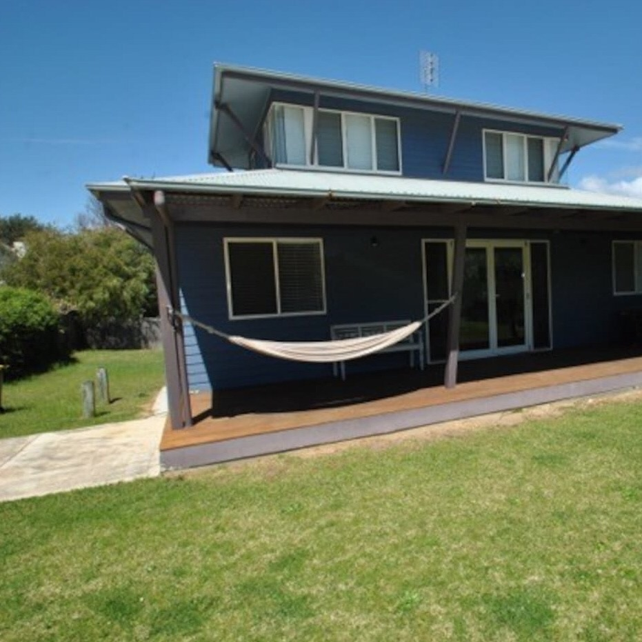 Blue Culburra Beach House - Sleeps 8