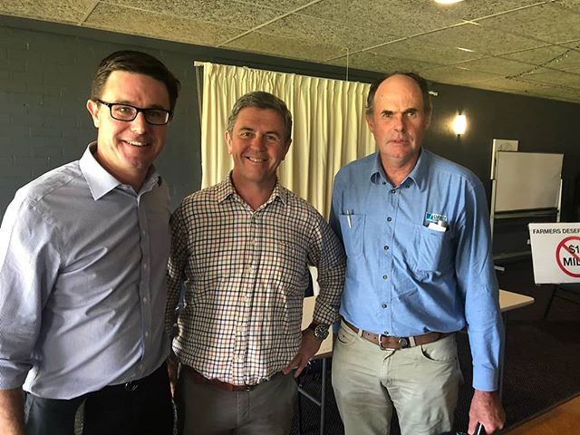 This week @dairyconnect Farmers Group President Graham Forbes reinforced the importance of a mandatory code and why $1/L milk undervalues the dairy industry, at dairy farmer meeting with Federal Agricultural Minister @davidlittleproud.mp and Federal MP for Lyne Dave Gillespie 🐄🐄