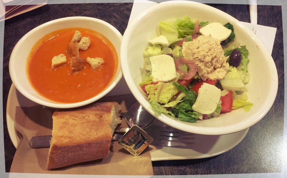 Panera Bread: Sopa de Tomate + Ensalada de Atún