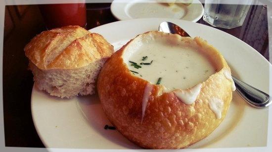Boudin SF: Sopa de Almejas en bowl de Pan / Foto: Tripadvisor