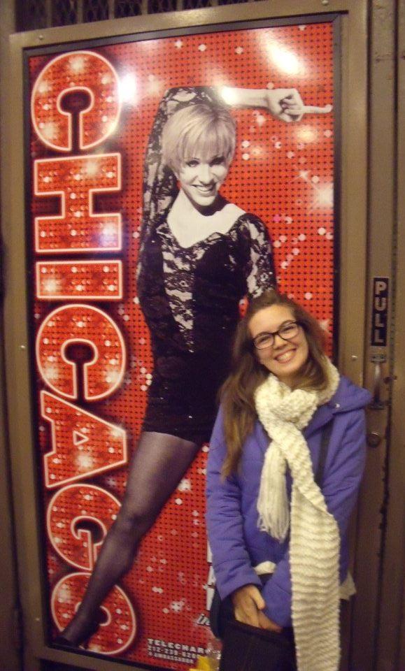 """Recién salida de ver """"Chicago"""", no podía más de la felicidad. NYC, 2012."""