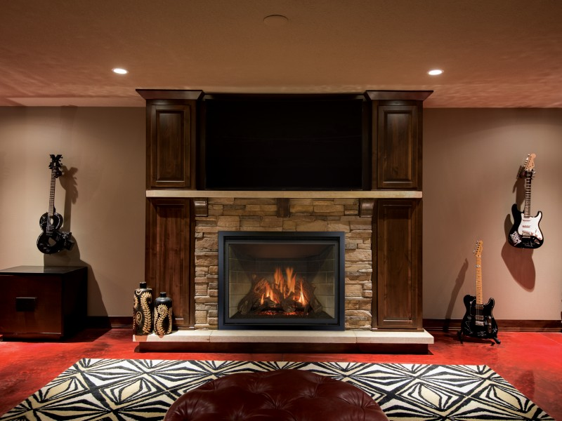 Carlton 46 Direct Vent Gas Fireplace - Direct vent gas fireplace with a traditional log set and a standard split flow burner.