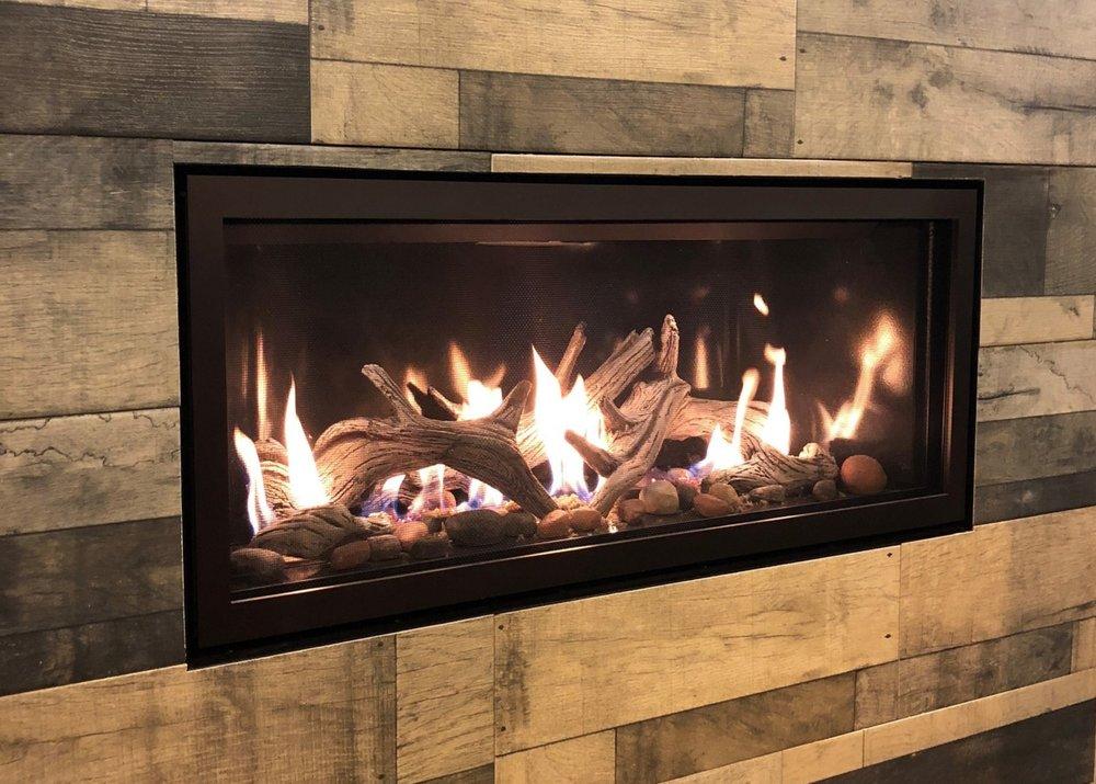 Mendota Fullview Linear ML39 Gas Fireplace - Sleek, elegance, and beautiful flames. Save $995