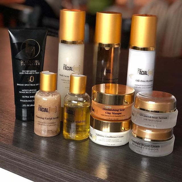 @iamtoddwarr has been using our Complete Skincare System in Adult Acne! What a beautiful shot!  #shopthefacialbar #lavishedbody #skincareforblackwomen #melanin #skincareformelanin #beautifulskin #skincare #melaninpoppin #theglowup #melaninonfleek #blackgirlmagic #blackskincare #blackownedbusiness #licensedesthetician #crueltyfreebeauty #crueltyfreeandvegan #veganskincare #blackowned #blackownedskincare #blackownedskinbrand