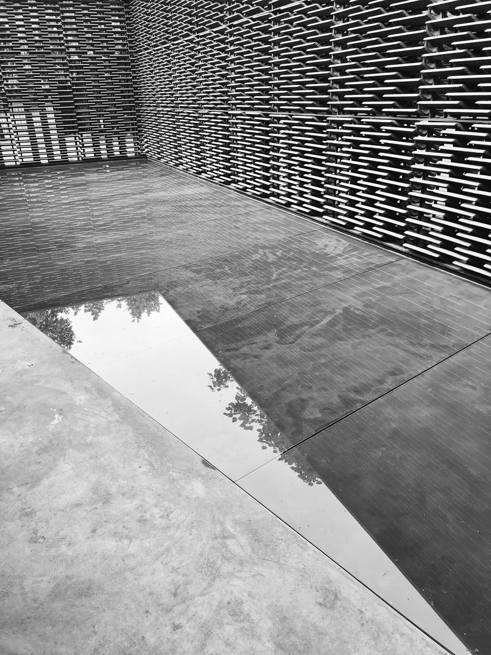 Serpentine Pavilion pool.jpg