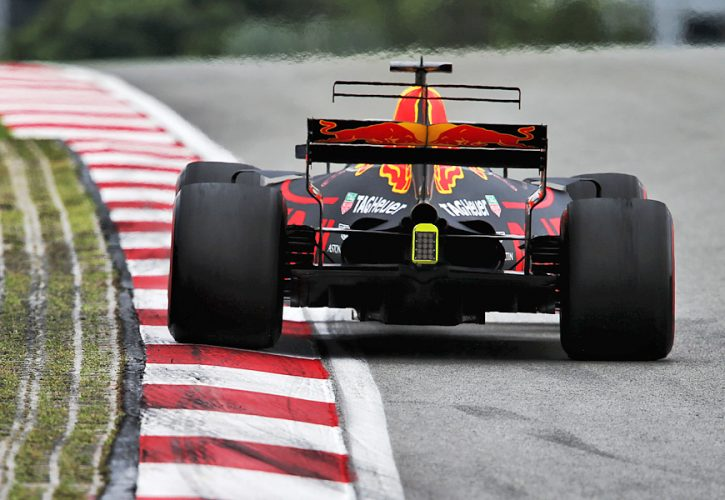 XPB_907843_Ricciardo-725x500.jpg