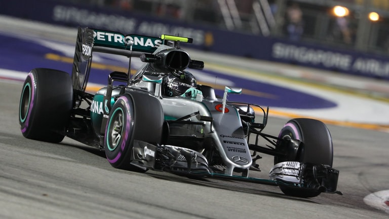 formula-1-grand-prix-action-nico-rosberg-mercedes-singapore_3788086-min.jpg