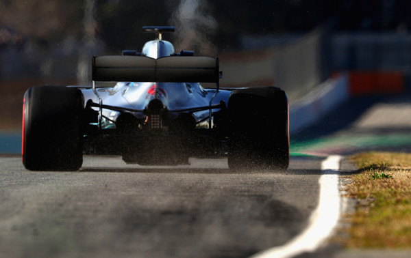 Lewis+Hamilton+F1+Winter+Testing+Barcelona+f4k4U93BcFMl.jpg