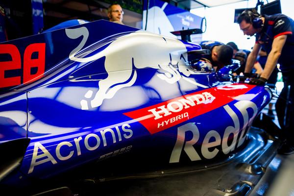 Brendon+Hartley+Australian+F1+Grand+Prix+Practice+Uw2LAAj5XLml.jpg